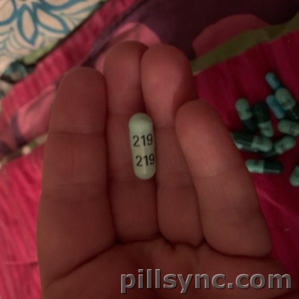 219 Capsule Green Cephalexin Capsule Ascend Laboratories